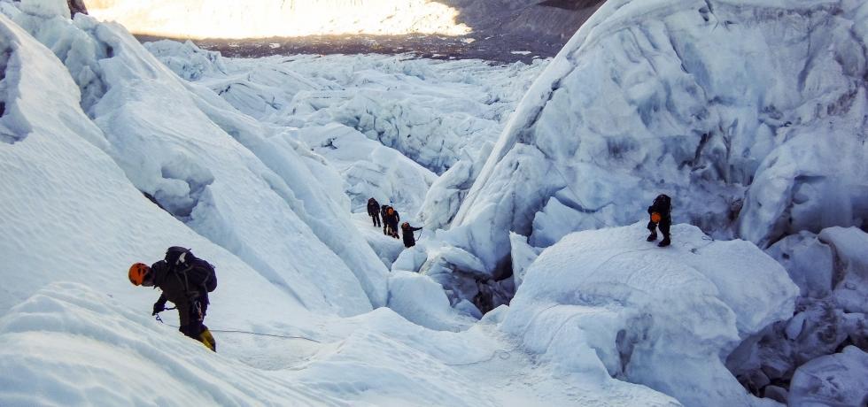 UAE Military Team Climb Everest