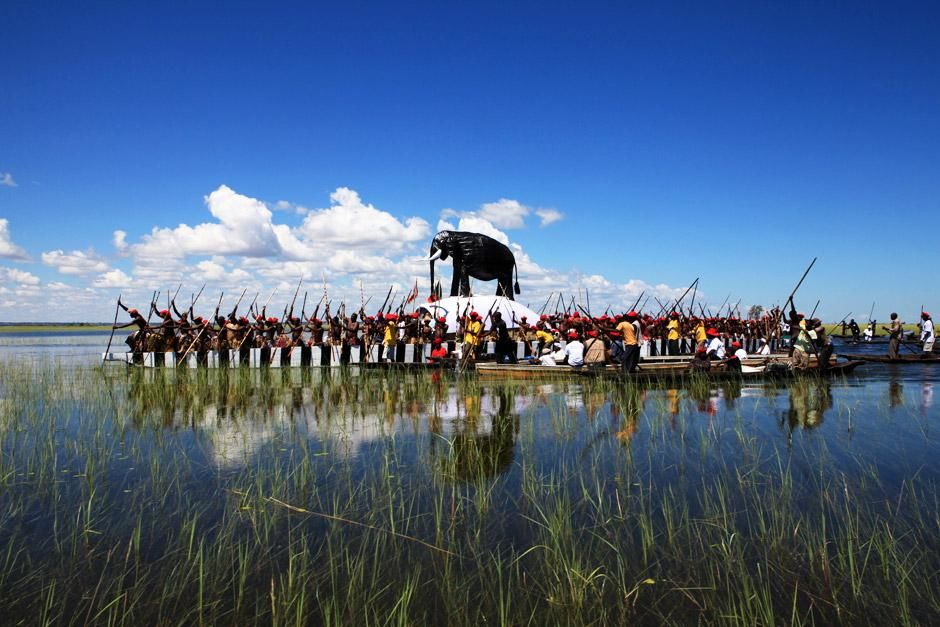 This is the Kuomboka festival, the word itself in the Lozi language is said to mean &quot;to get out o... [Dagens billede - juni 2012]