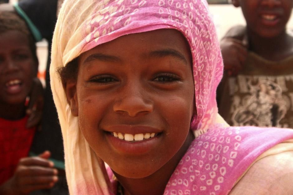 A local woman from Mauritania. The Sahara Challenge follows a bunch of adventure junkies as they ... [Photo of the day - December 2012]