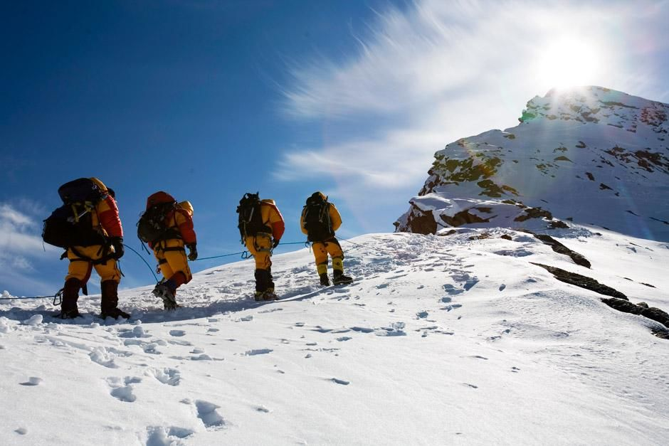 2006 was the deadliest season on Everest in a decade. Record numbers of climbers took advantage o... [Photo of the day - December 2012]