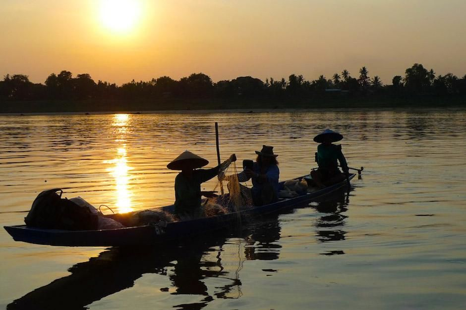 Richard Terry joins local fisherman on the Mekong River searching for clues to the attacks. This ... [Photo of the day - December 2012]