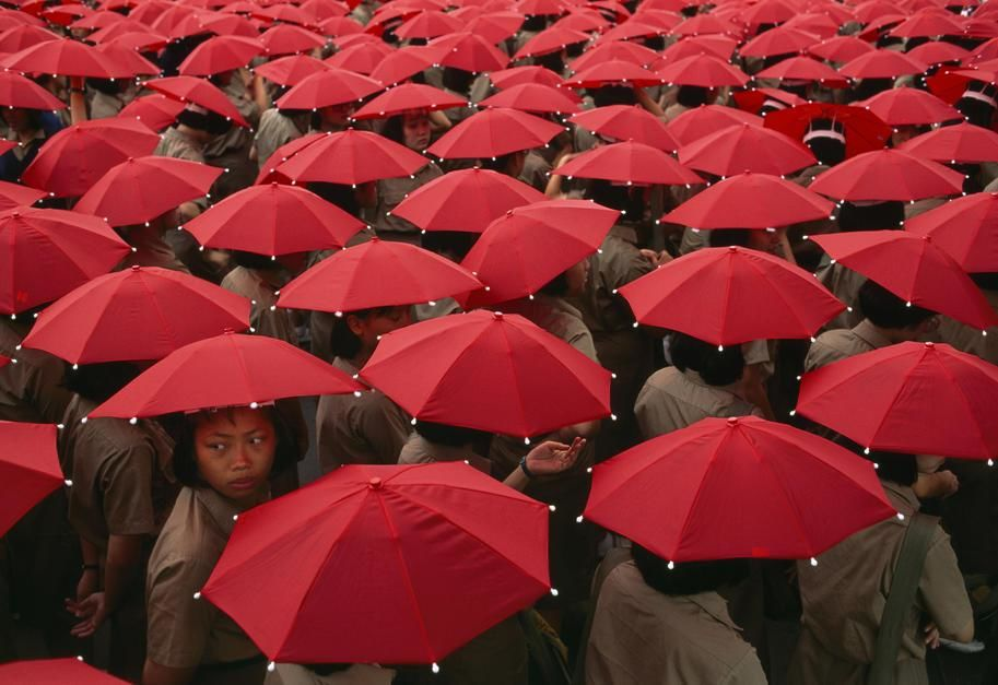 Today is Double Ten Day and these children in Teipei with red umbrellas help celebrate. Double Te... [Photo of the day - October 2011]