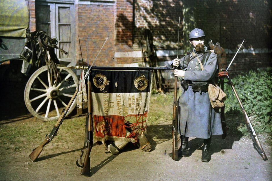 Unzählige junge Männer meldeten sich 1914 freiwillig, um in den Ersten Weltkrieg zu ziehen. Das... [Foto des Tages - Dezember 2012]