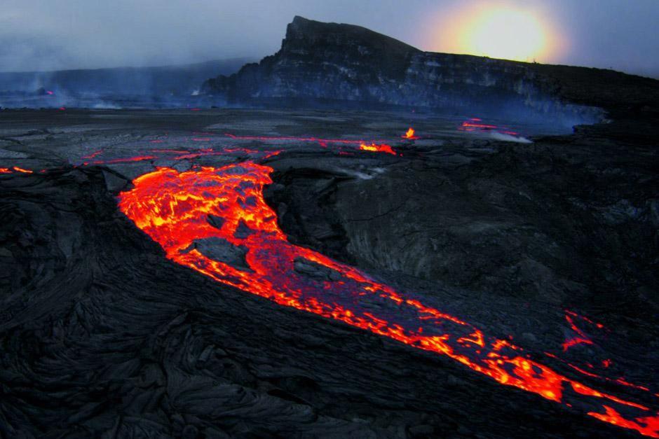 """Der Kilauea-Vulkan auf Hawaii. Das Bild stammt aus """"Bob Ballards Reich der Tiefsee"""". [Foto des Tages - Dezember 2012]"""