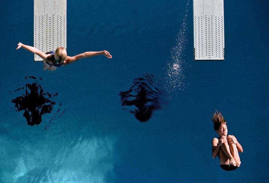 Two divers warm up on springboards before a state diving competition in Arizona. USA. [Photo of the day - oktober 2011]
