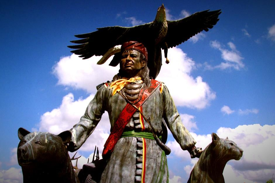 Big Cypress, FL, USA: A Seminole statue stands proudly with the local fauna of the Florida... [Photo of the day - February 2013]