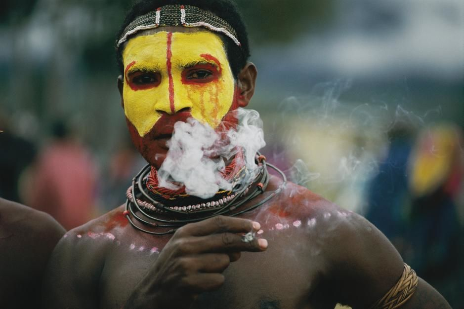 Close view of a Huli Wigme before the sing-sing ritual dance in Garoka. Papua New Guinea. [Photo of the day - October, 2011]