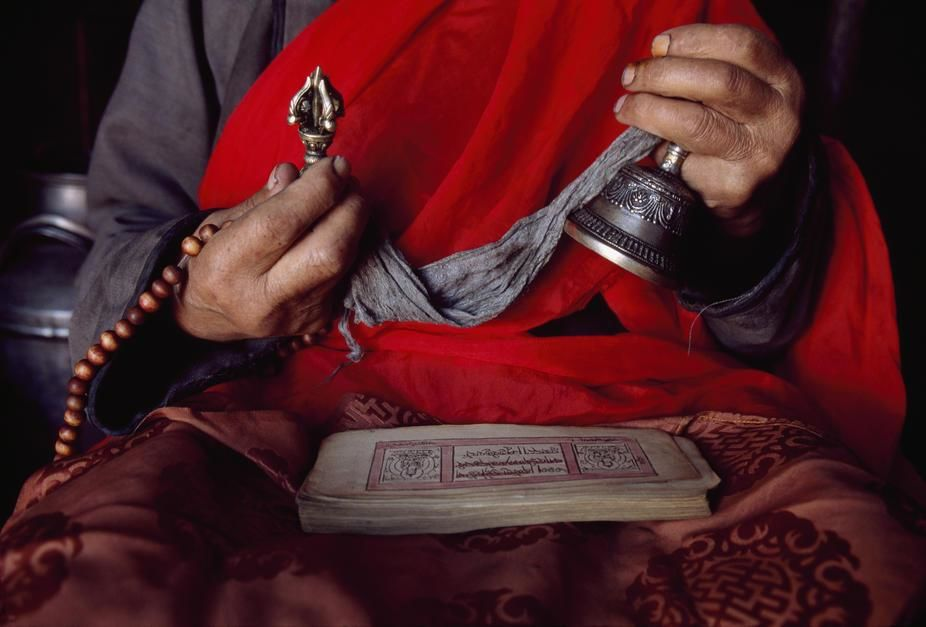 The only Tibetan Buddhist monk left in Renchilhumbe, Hovsgol Province. Mongolia. [Dagens billede - november 2011]