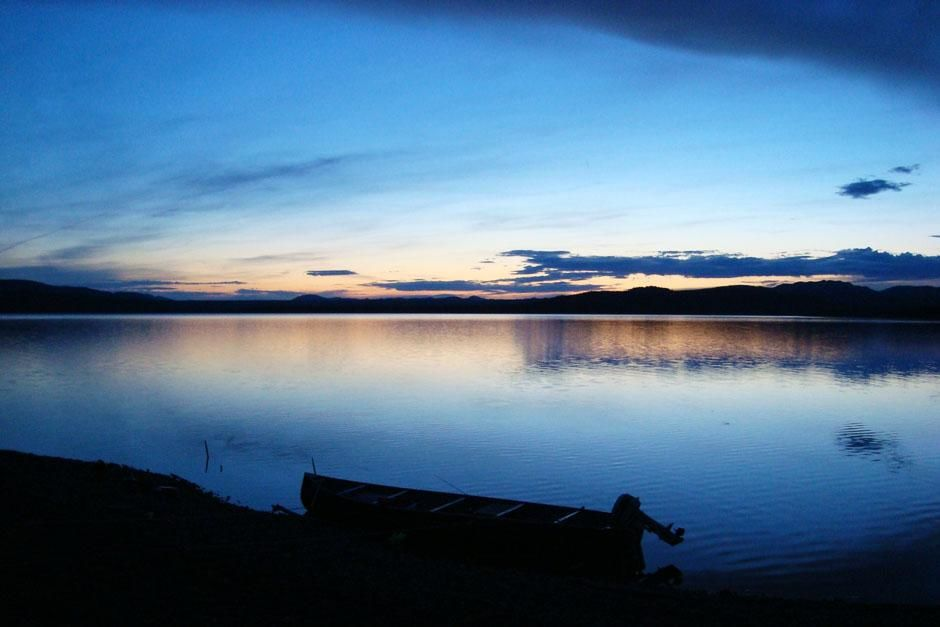 Lake Laberge, Yukon, Canada: The Yukon Territory on the shores of Lake Laberge.  This image is... [Photo of the day - ژوئن 2013]