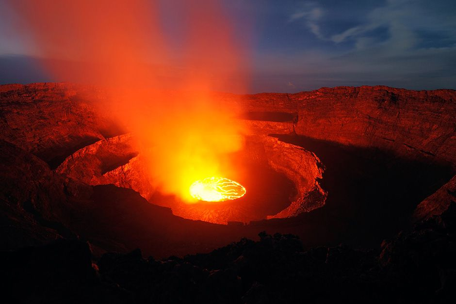Democratic Republic of the Congo: The lava at Nyiragongo is made of an alkali-rich volcanic... [Photo of the day - اکتوبر 2013]