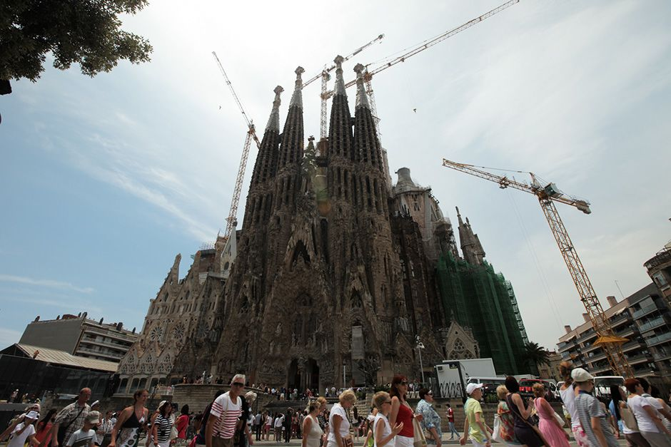 Barcelona, Spain: The Sagrada Familia (Nativity Façade).  This image is from Access 360°: Sagra... [عکس روز - دسامبر 2013]