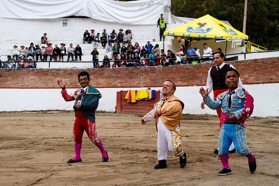 Columbia: In bull-fighting, bravado is everything. Colombian 'matadwarfs' are... [Photo of the day - 一月 2014]