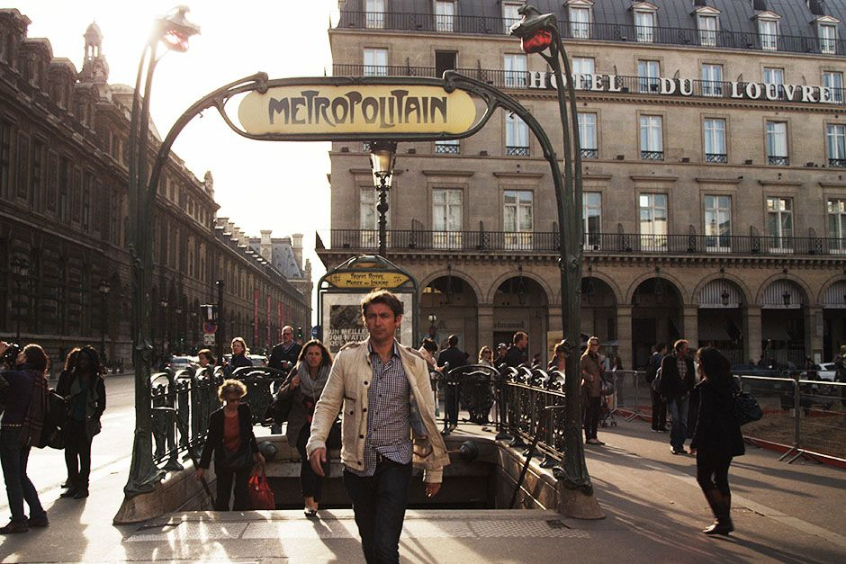 Paris, France: Conor just out of the metro of Paris which is notorious for pickpockets. This... [Foto del día - enero 2014]