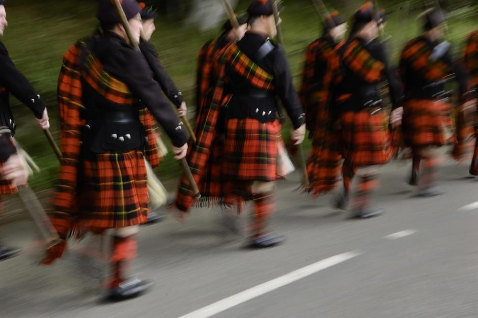 March of the Lonach Highlanders and the Lonach Gathering, Strathdon, Scotland. [Fotografija dneva - december 2011]