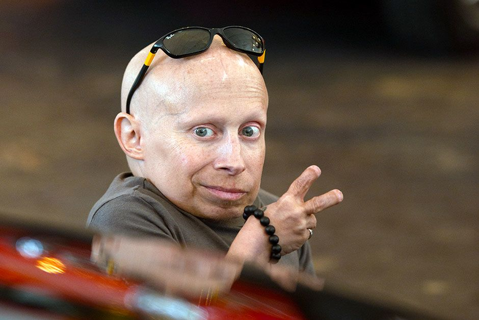 USA: Caught on camera, but certainly not shy, 81cm tall Verne Troyer is a Hollywood legend. This... [Photo of the day - January 2014]