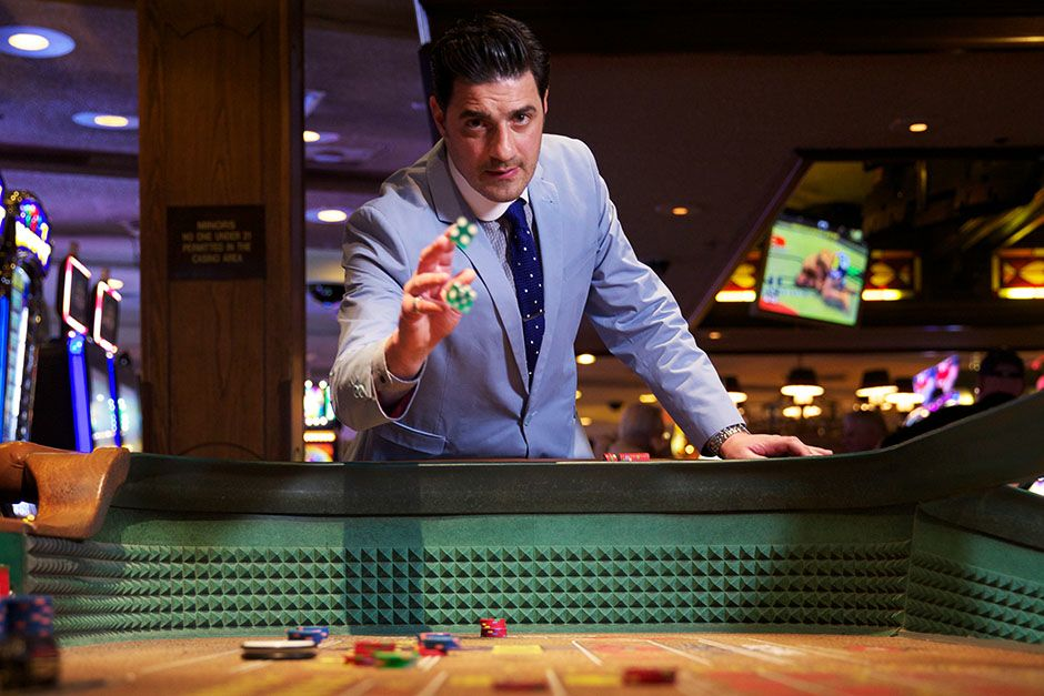 Las Vegas, Nevada, USA: Alexis Conran in Binions Casino where he does a spot of gambling. This... [Foto del día - marzo 2014]