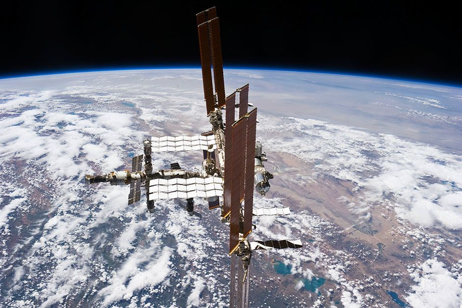 Space Station, July 19, 2011: This picture of the International Space Station was photographed... [Foto del día - marzo 2014]