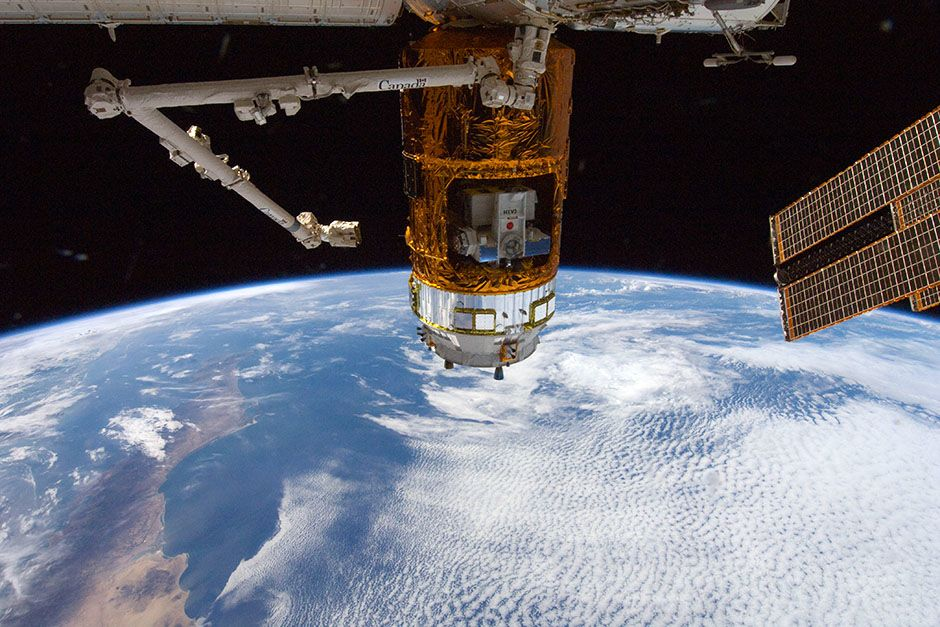 The unpiloted Japan Aerospace Exploration Agency (JAXA) H-II Transfer Vehicle (HTV-3) is... [Photo of the day - March 2014]