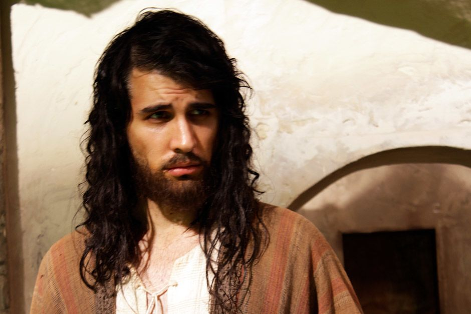 Dramatization: Nick Simmons as Jesus. This image is from The Jesus Mysteries. [Photo of the day - אפריל 2014]