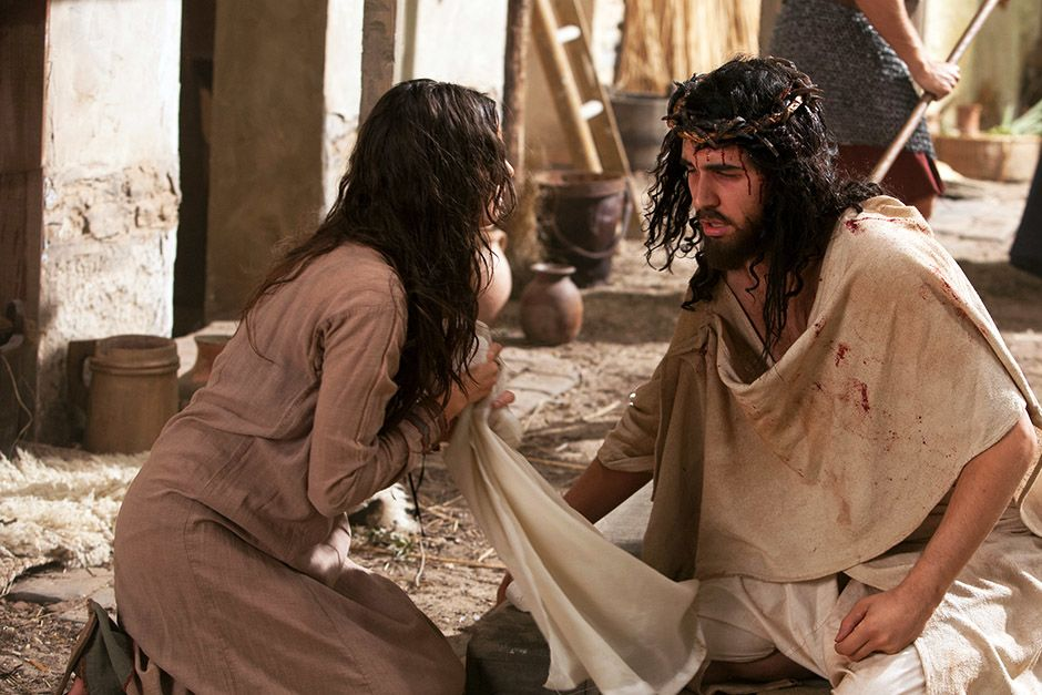 Dramatization: Veronica wipes Jesus' face - creating the Veil of Veronica. This image is from The... [Photo of the day - אפריל 2014]