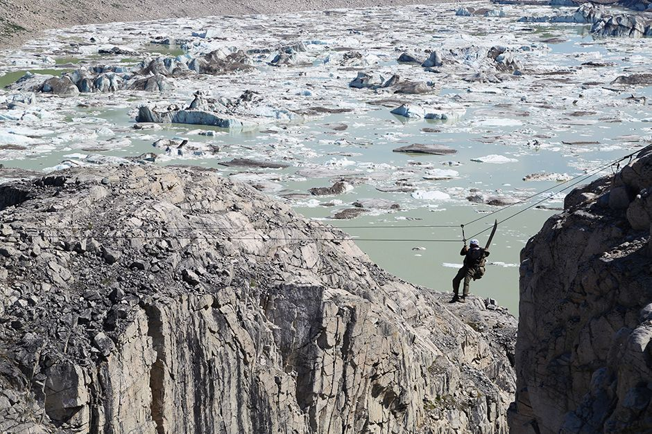 Tordrillo Range, Alaska, USA: Marty crossing the Tyrolean traverse. This image is from Ultimate S... [Фото дня - Июль 2014]