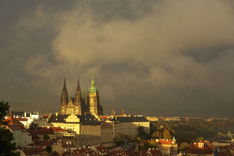 Prague, Czech Republic: Prague Castle in the late afternoon sun. This image is from Access 360°:... [ΦΩΤΟΓΡΑΦΙΑ ΤΗΣ ΗΜΕΡΑΣ - ΑΥΓΟΥΣΤΟΥ 2014]