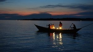 Fishermen in Lake Victoria. This imag... [Photo of the day - 19 اگوست 2014]