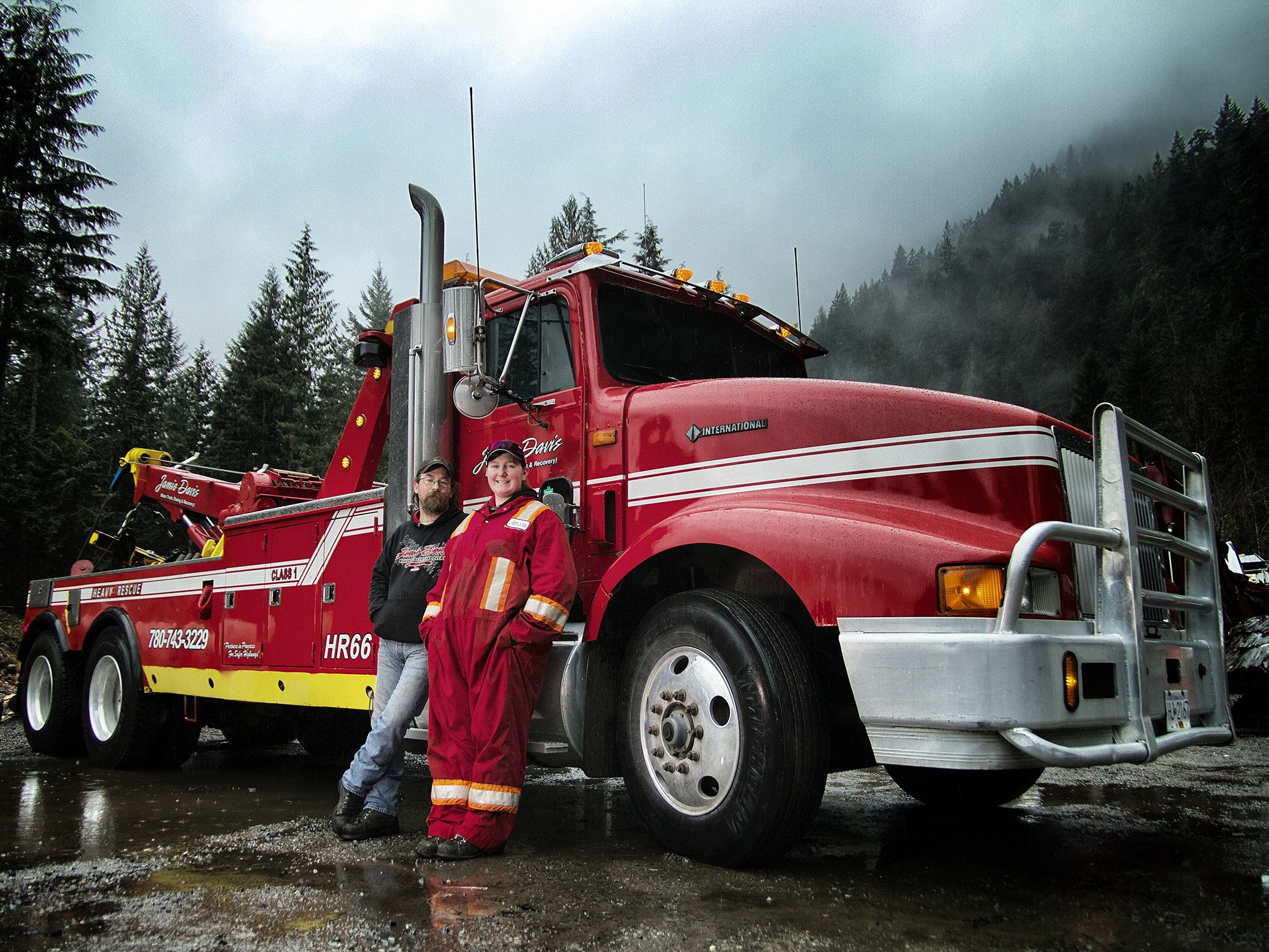 Canada: Howie Irwin, Brittany Linde. This image is from Highway Thru Hell. [Photo of the day - March 2015]