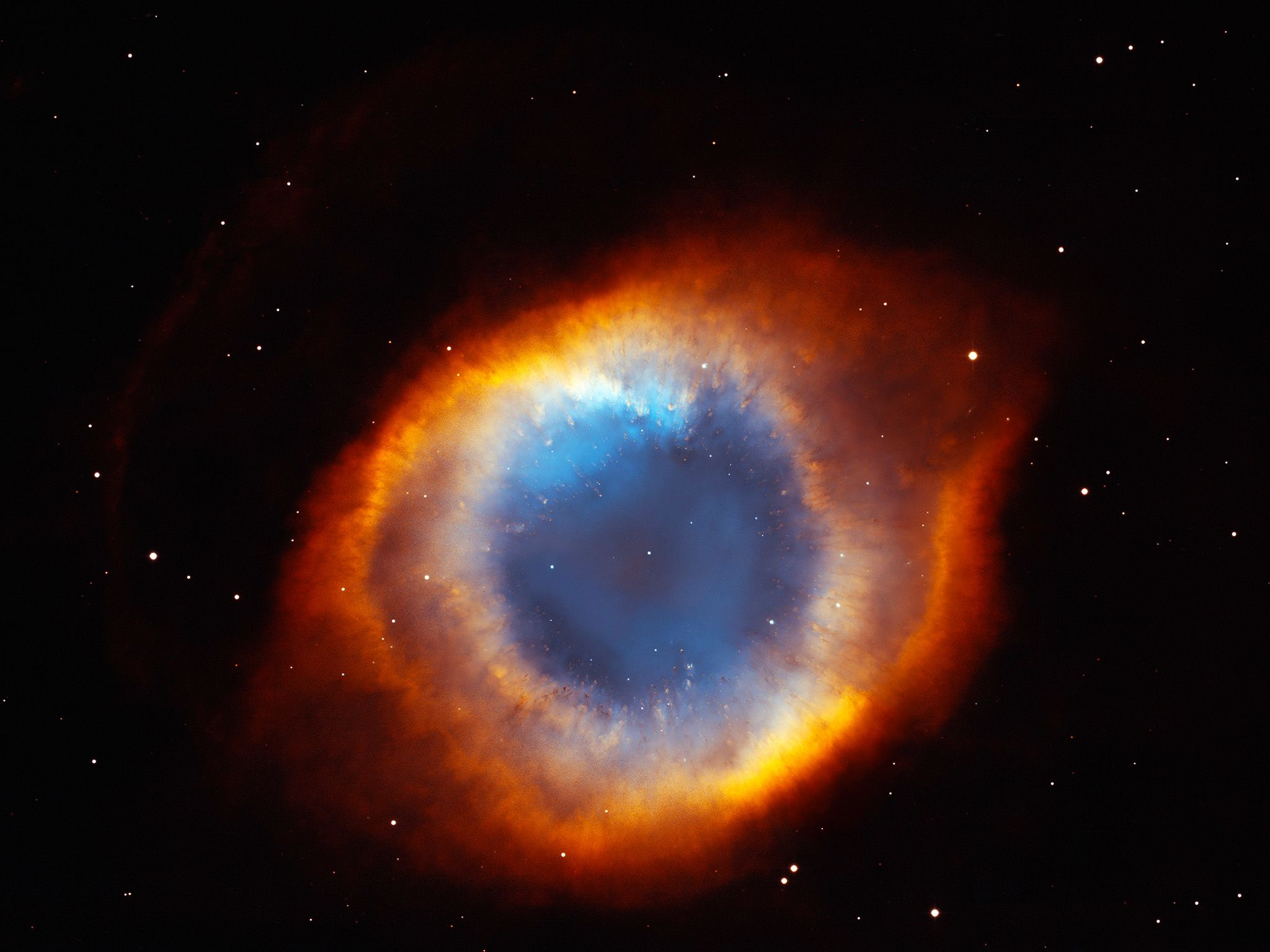 The coil-shaped Helix Nebula. This image is from Hubble's Cosmic Journey. [Photo of the day - 四月 2015]