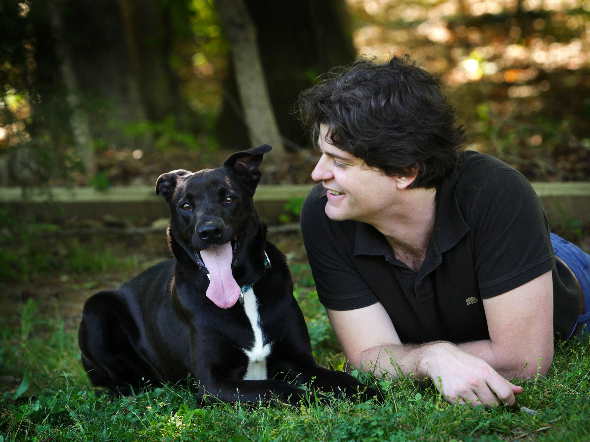 Dr. Brian Hare with Tassie the dog. This image is from Is Your Dog A Genius? [Photo of the day - April 2015]