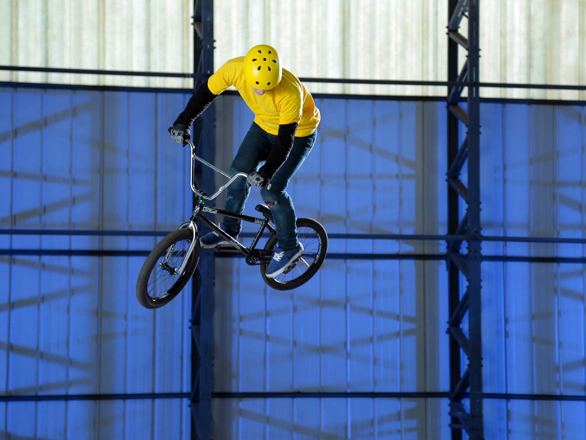 Essex, England - A BMX 360 performed by a contributor. This image is from Science of Stupid. [Photo of the day - August 2015]