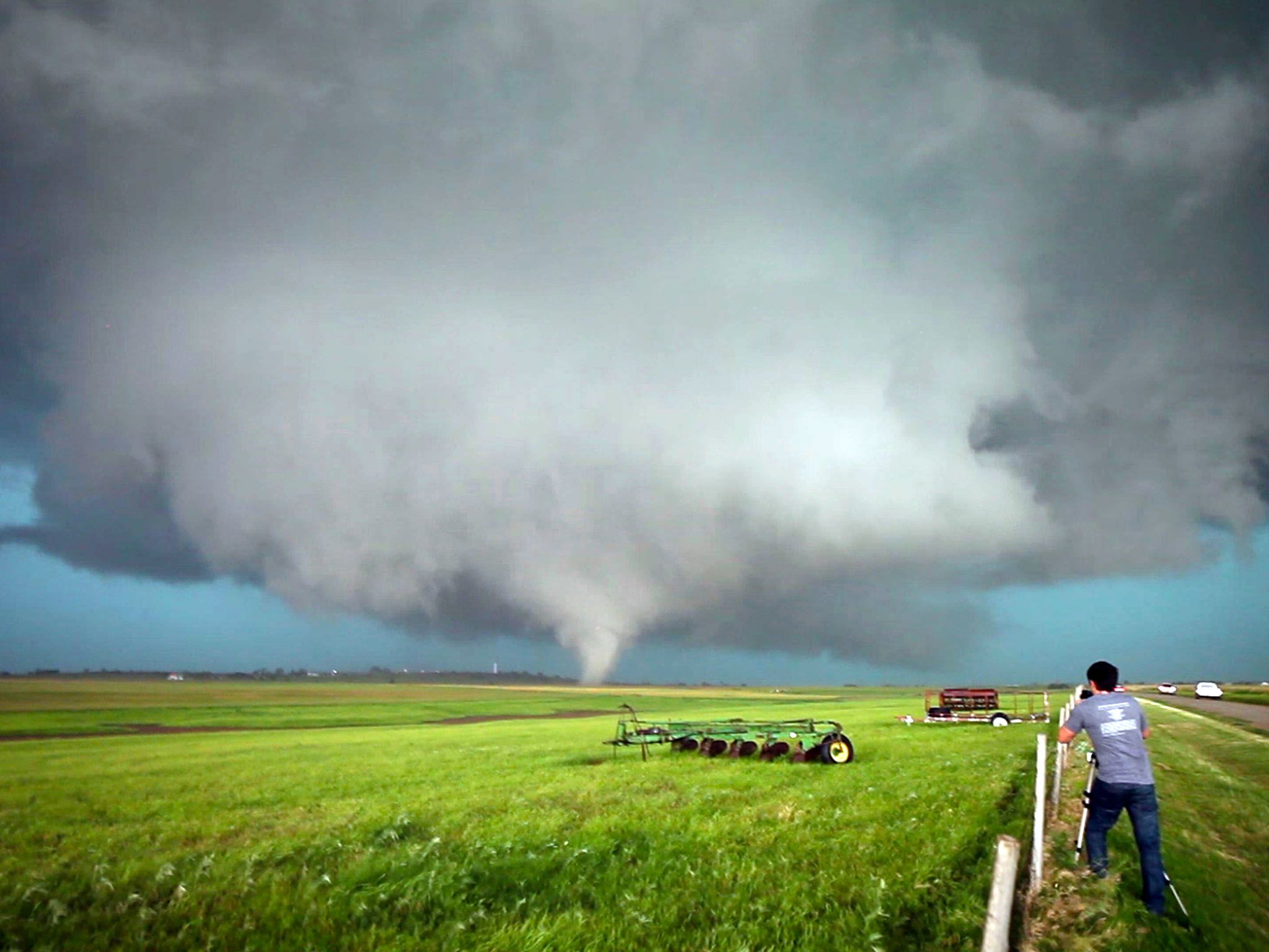 El Reno, Oklahoma.- At 6:02PM CT on May 31, 2013, the first vortex of the El Reno tornado... [Photo of the day - August 2015]