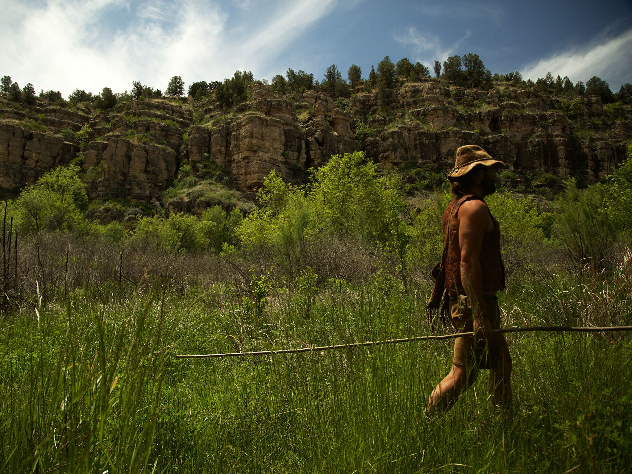Ash Fork, AZ: Tobias WS walking through foliage. This image is from Live Free or Die. [Photo of the day - دسامبر 2015]