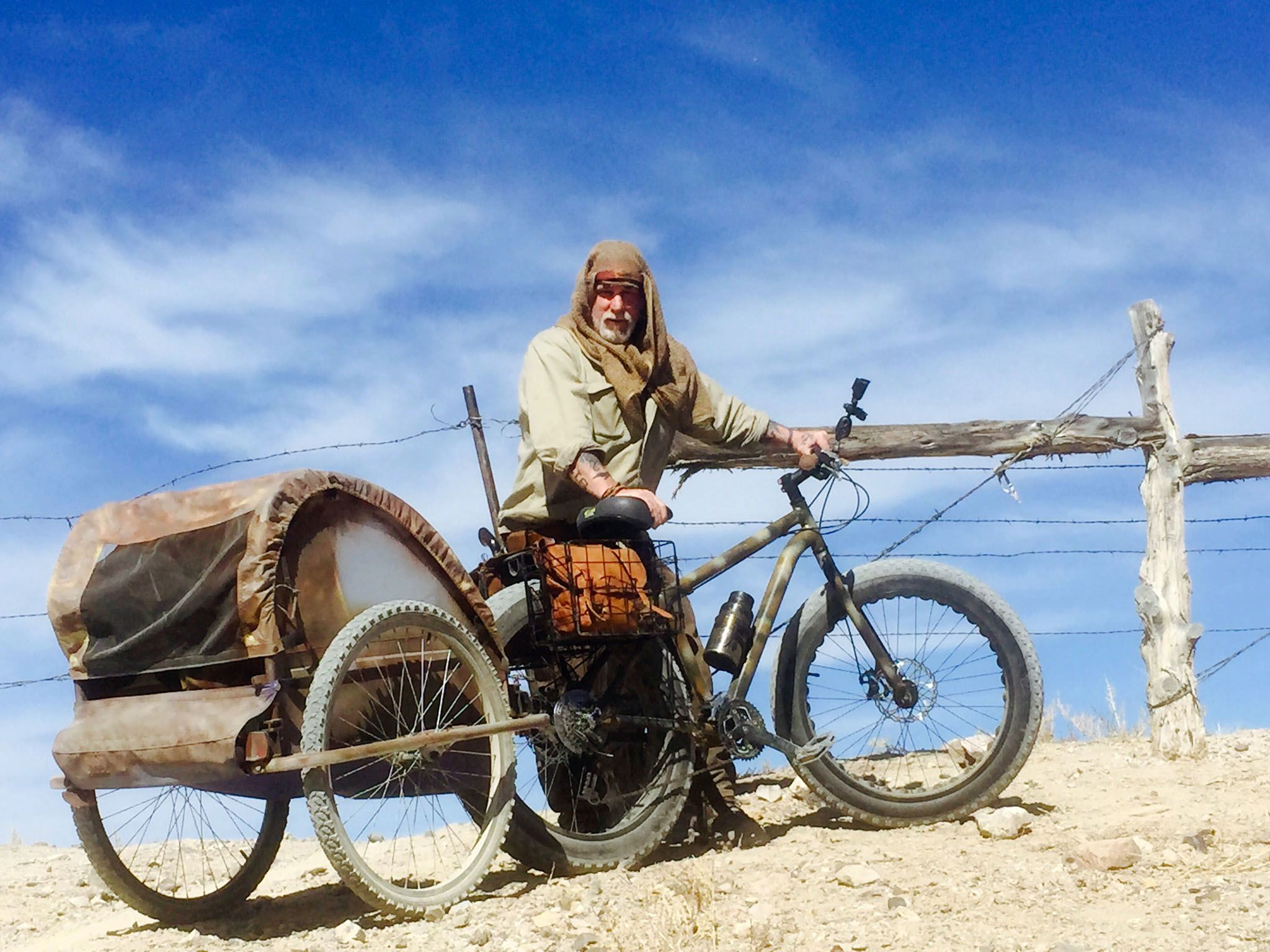 Fallon, Nev.: Survivalist, Dave Canterbury and his bike. This image is from Dirty Rotten Survival. [Photo of the day - دسامبر 2015]