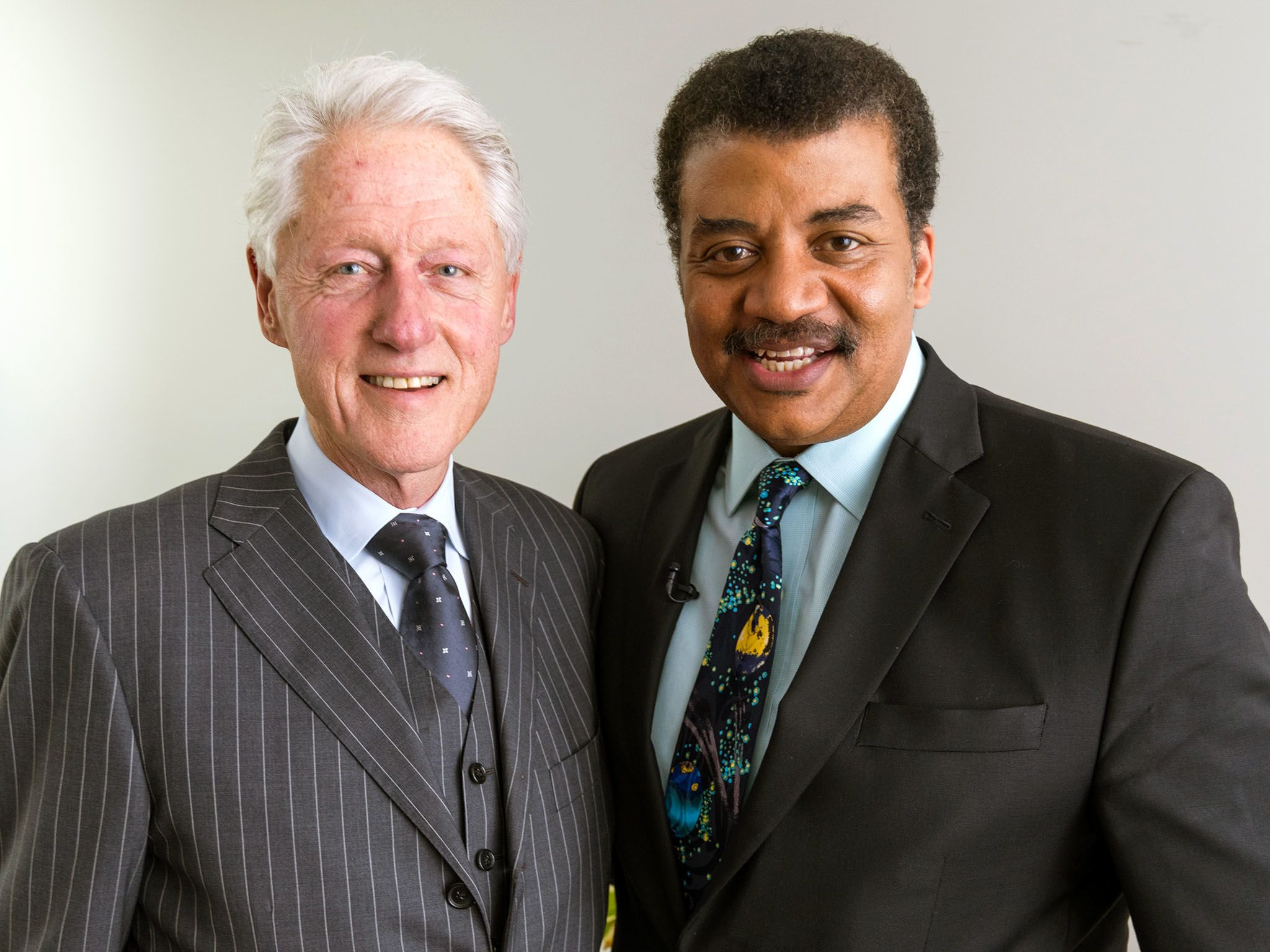 New York: Bill Clinton e Neil deGrasse Tyson. [Foto del giorno - gennaio 2016]