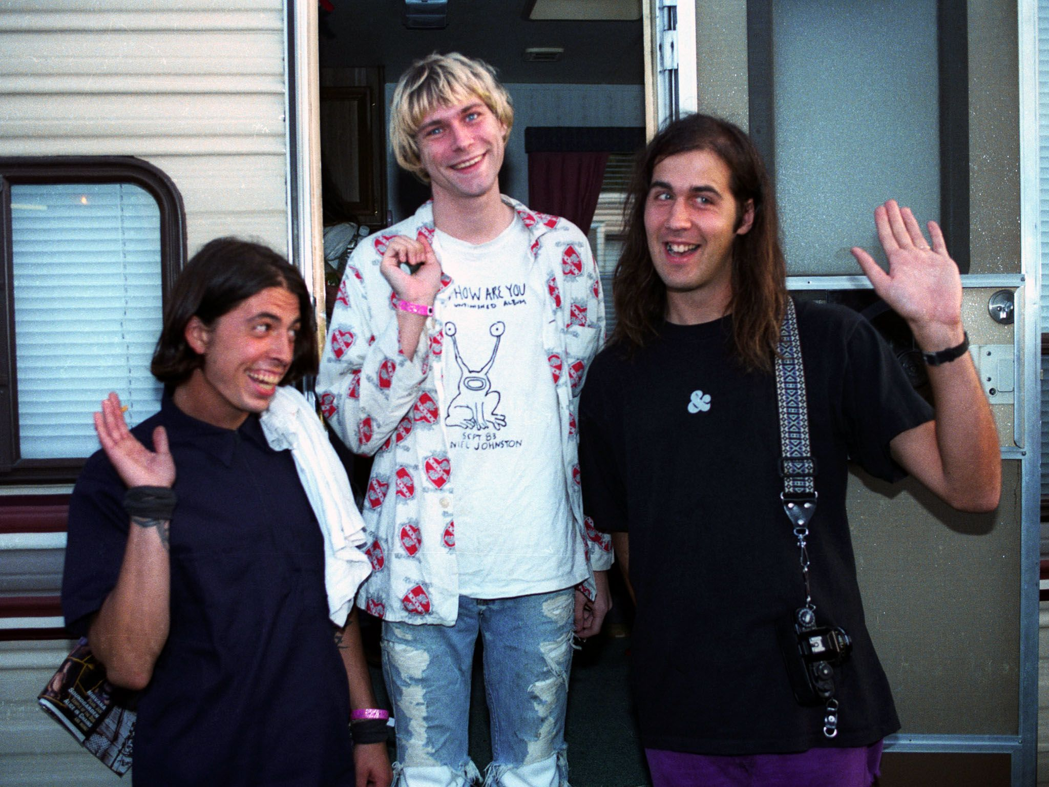 Dave Grohl, Kurt Cobain and Kirst Novoselic of Nirvana. This image is from Generation X. [Photo of the day - 四月 2016]