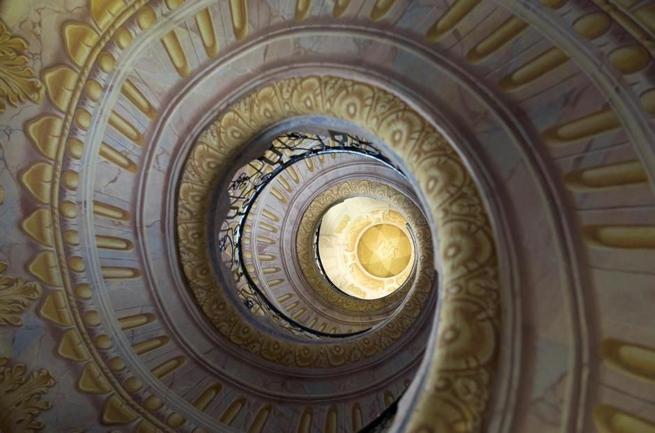 Painted stairway, diminishing perspective, Melk Abbey. [Photo of the day - יולי 2011]