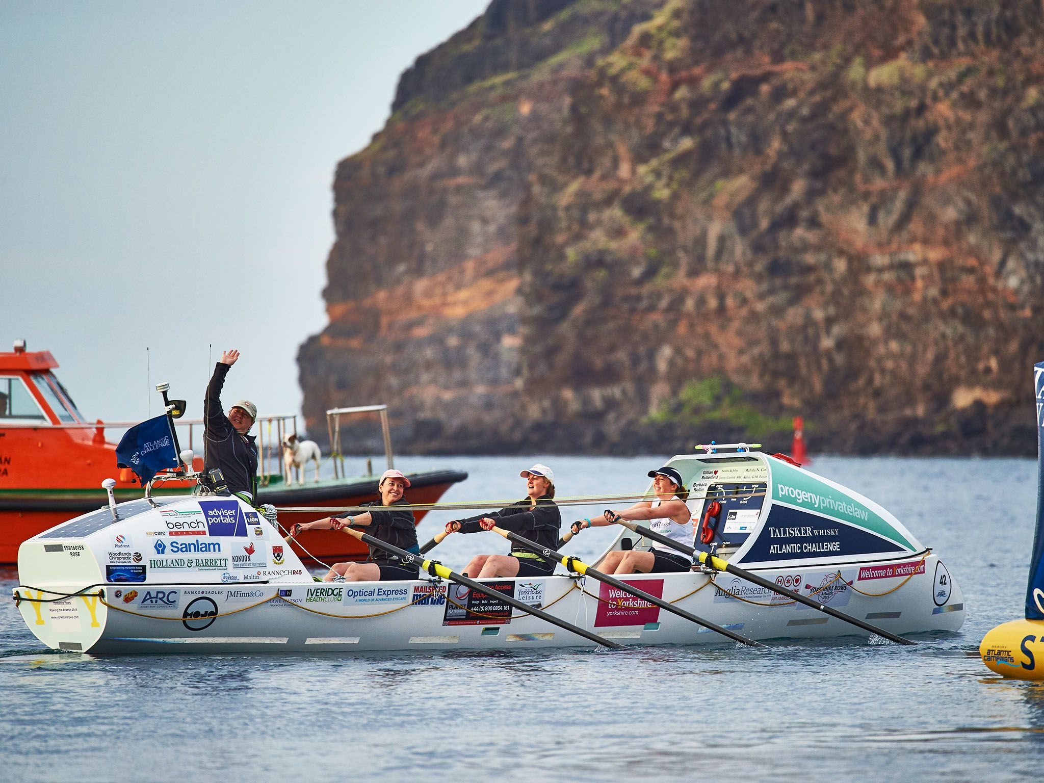 La Gomera: Four Mums from Yorkshire depart la Gomera as they attempt to break a world record for... [Photo of the day - ژوئن 2016]
