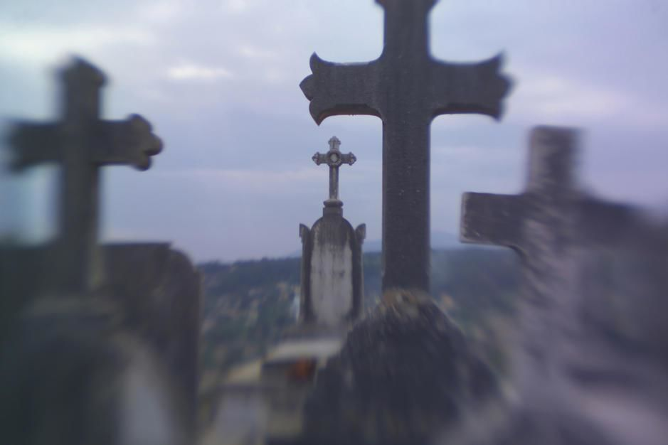 Gravemarkers in the cemetery near St Paul de Vence. [Photo of the day - יולי 2011]