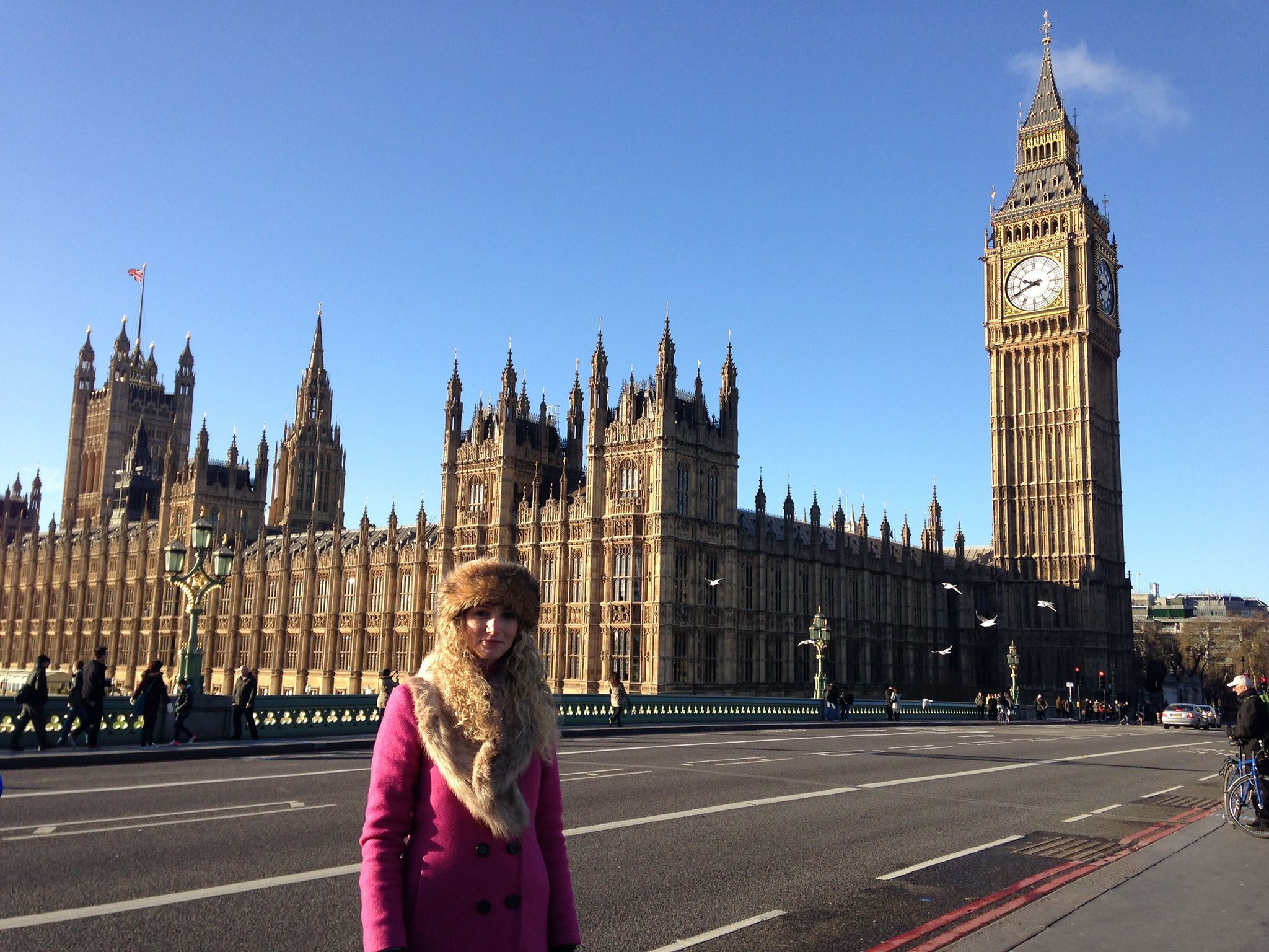 Westminster, London, UK: Suzannah in Westminster, where William Wallace's journey to his... [Photo of the day - October 2016]