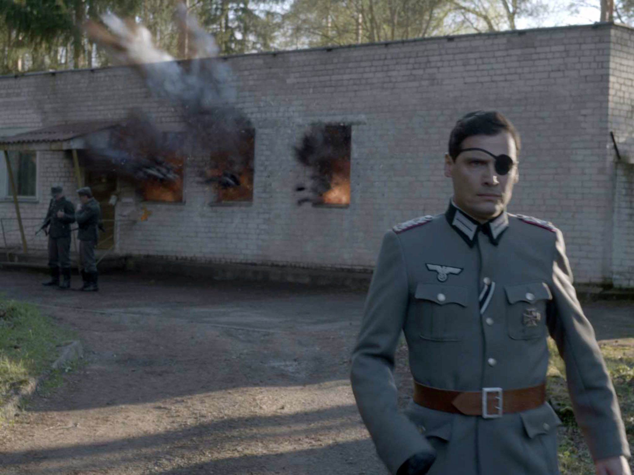 Claus von Stauffenberg walks away from the Wolf's Lair as the bomb explodes. This image is from... [Photo of the day - 十月 2016]