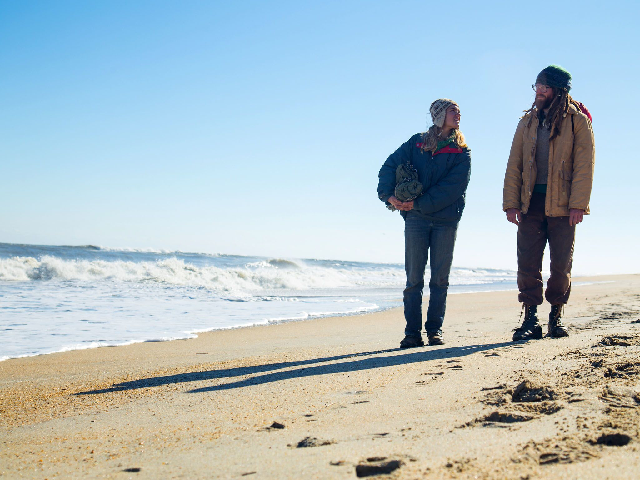 Cape Hatteras, N.C.: Tony and Amelia looking at each other on the beach. This image is from Live... [Photo of the day - 十月 2016]