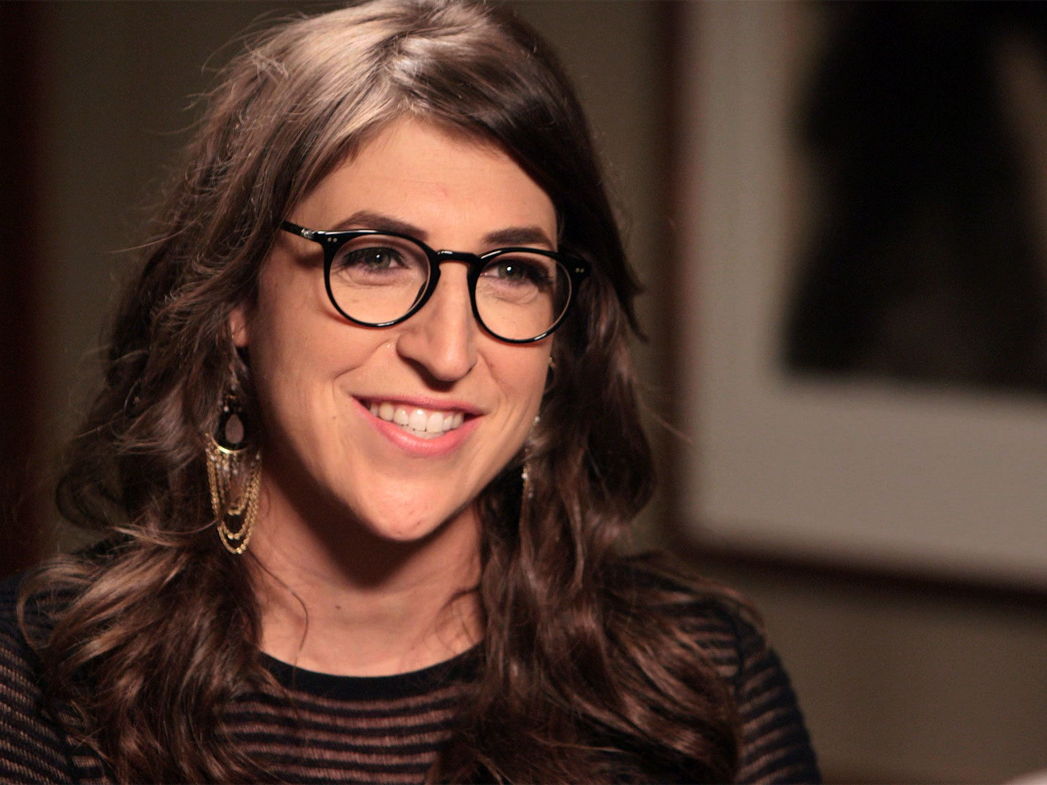 New York, N.Y.- Mayim Bialik during her interview with Neil deGrasse Tyson. This image is from... [Photo of the day - دسامبر 2016]