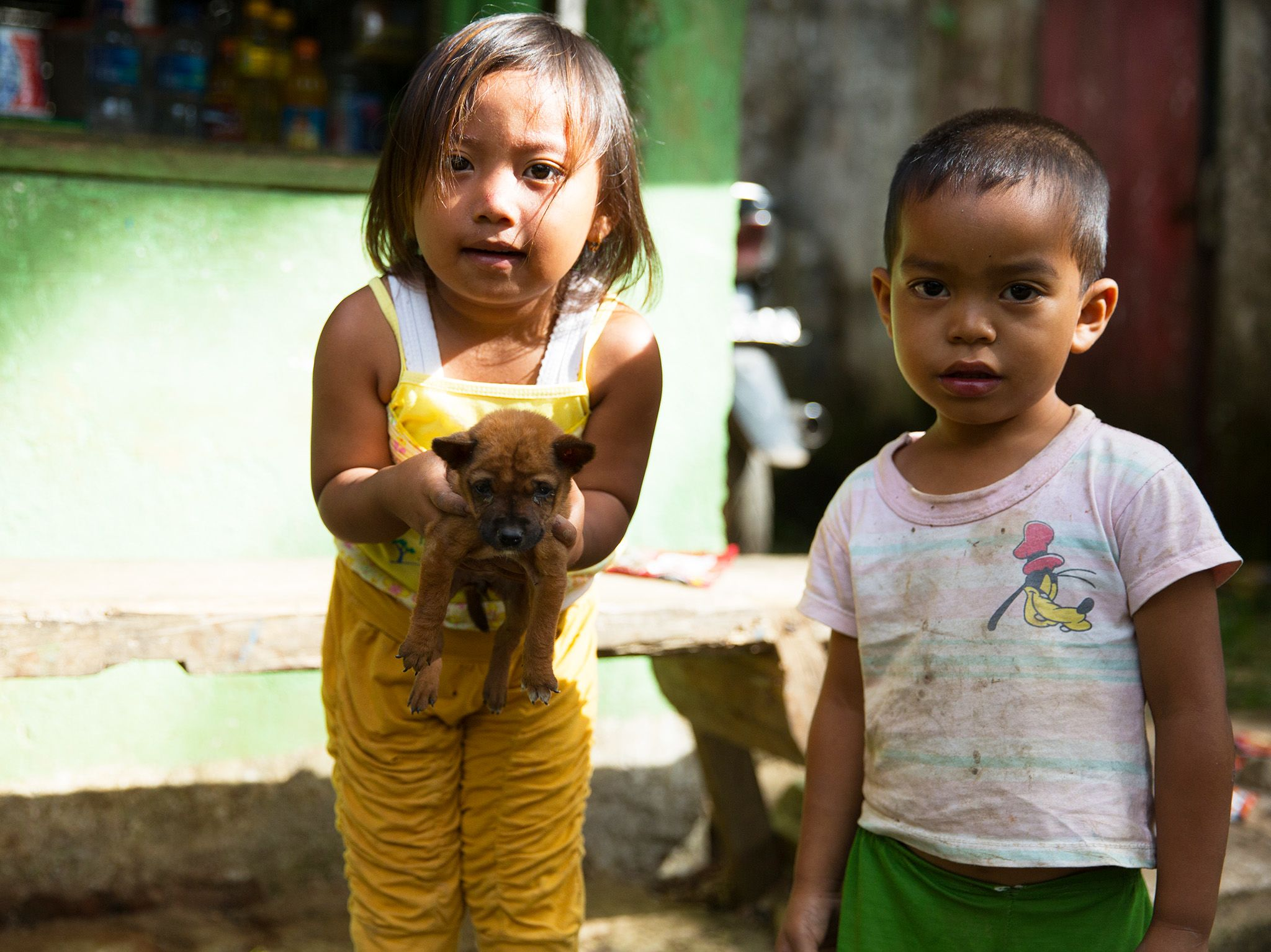 Toraja, Indonesia: Children in Sangalla, a town in the Toraja region of South Sulawesi, make... [Photo of the day - آوریل 2017]