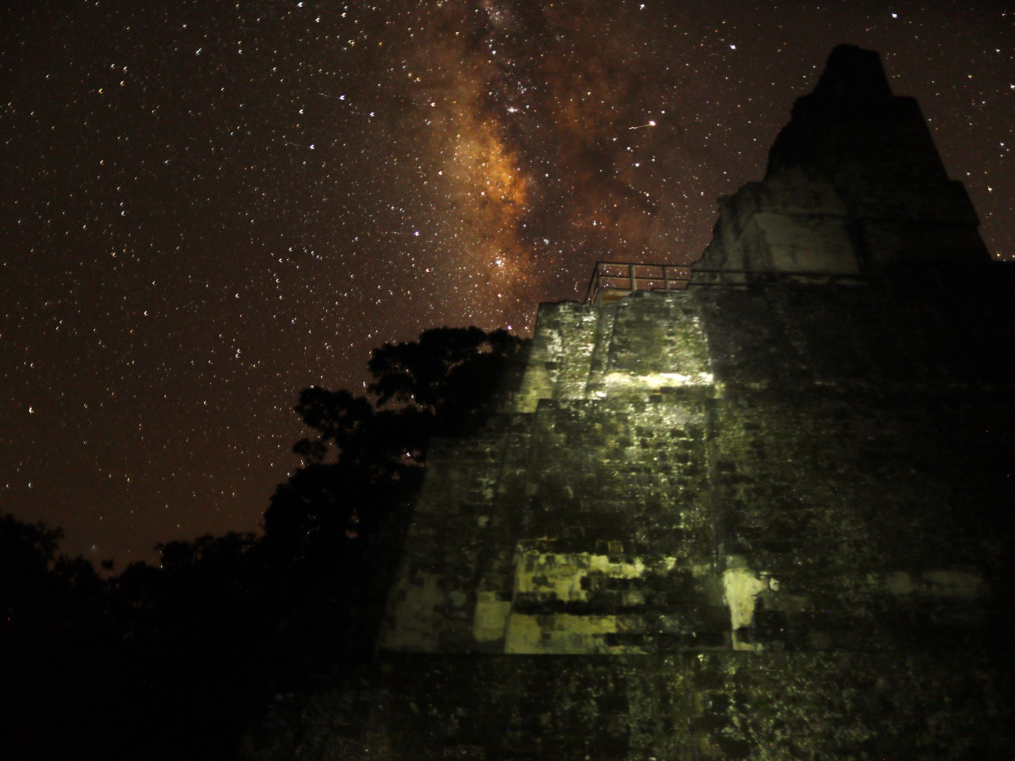 Tikal National Park, Guatemala:  Starry sky at night in Tikal National Park. This image is from... [Photo of the day - 二月 2018]