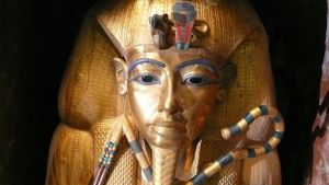 Tutankhamun gold sarcophagus - front... [Photo of the day - 21 三月 2018]