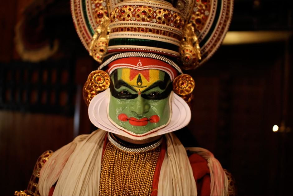 Kerala, India: A Kathakali character ready for one of the oldest theatre forms in the world.  Thi... [Foto do dia - Março 2012]