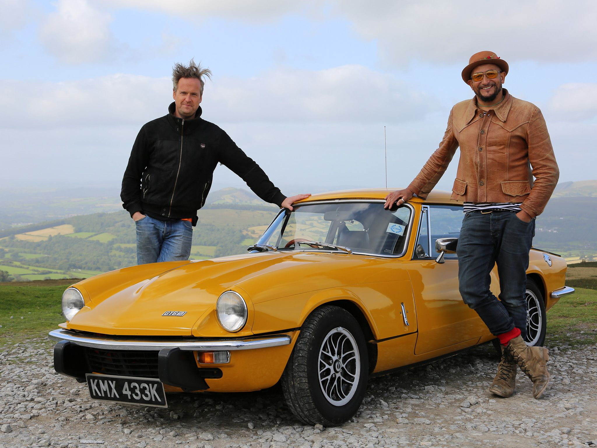 Wales: Tim and Fuzz pose with a pristine example of the Triumph GT6.  This image is from Car S.O.S. [Photo of the day - آوریل 2018]