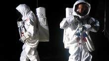 Les premiers pas sur la Lune Voir la fiche programme