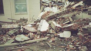 Lavinák, terroristák, épületomlások fotó